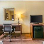 Photo of Comfort Inn Maingate