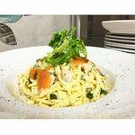 Today's pasta special 😍 linguine with smoked salmon and basil & lemon cream 👌🏻 delicious 💚