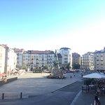 Photo de Plaza de la Virgen Blanca
