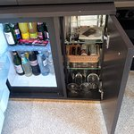 Minibar - one had to kneel down on the floor for getting a drink or a glass - very uncomfortable