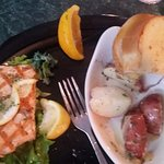 salmon special, red potatoes, garlic bread