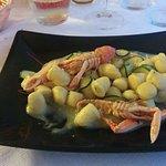 Gnocchetti con scampi e zucchine