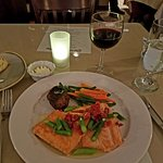 Salmon with asparagus and sundried tomatoes.