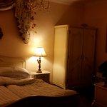 Hotel Phoneix room