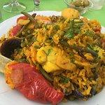 Paella poisson, bonne et tres copieuse , flan maison excellent