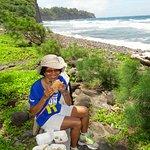 Picnic on Pololu Beach