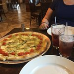 Had our Friday night pizza at Elizabeth's Pizza it was great😊 Chicken Pesto Pizza yummy along w