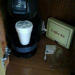 Café de cortesía en la habitación.
