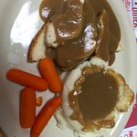 Hot turkey with gravy and mash