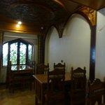 餐廳用木頭裝潢 氣氛寧靜