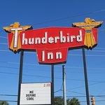 Photo de The Thunderbird Inn