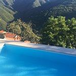 Goed onderhouden zwembad met bijzonder uitzicht