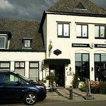 Gelegen aan de Dorpsstraat in Leimuiden