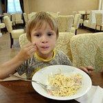 Спагетти карбонаре - это очень вкусно!