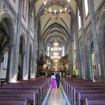 Nave principal y altar mayor