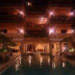 Photo of Banan Hotel