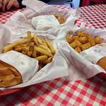 Foto de Dubl-R Old Fashioned Hamburgers