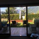 Eigen Terrasse mit kleinem Gartenateil
