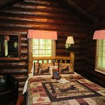 Nicely decorated with a log cabin feel