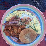Vegetable Omelette with Ham & Potatoes and Arepa