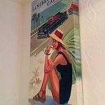 Belles peintures de Myra Roberts dans la salle de restaurant...