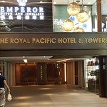 Foto de The Royal Pacific Hotel & Towers