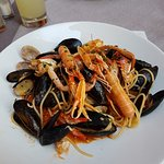 Hausgemachte Spaghetti mit Meeresfrüchten