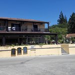 Dominoes Apartments Foto