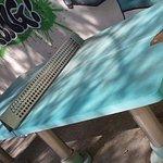 et là faut imaginer que c'est une table de ping-pong!! LOL !!!