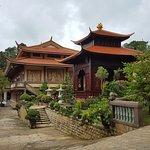 Erholsamer und schön angelegter Tempelbezirk