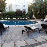 la piscine, un peu froide mais très calme et agréable....