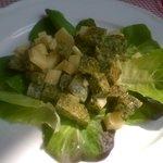 Frittata di erbette in insalata con toma