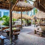Photo de Monty's Coconut Grove