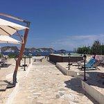 Terrazza, solarium, hall, area colazione, panorama di Ponza, veduta dalla piscina della Torre de