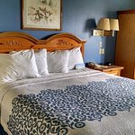 This is a picture of my room at the Days Inn Lehi in Lehi, Utah in August of 2016 while out ther