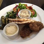 Oscars Restaurant - Small Middle Eastern Platter
