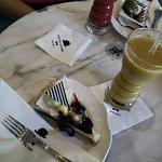 Lemon Cheesecake & Tropical smoothie