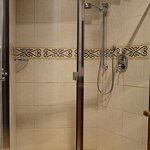 The Repertoire Suite Large Shower