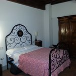 Room 4 bed & wardrobe