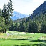 Wonderful golf hard against the national park