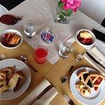 La colazione e l'aperitivo, buonissimi entrambi!