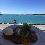 Carpaccio de tomates oubliées et glace au chèvre, délicieux et vue magnifique !!!