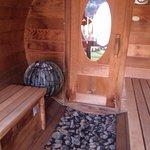 le sauna panoramique sur la terrasse.