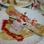 mini crêpes pink (tagada) et Toblerone pour la crêpe du fond