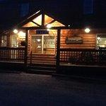 Lopstick Lodge at night