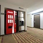 Photo de BEST WESTERN Airport Inn & Suites