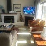 open plan lounge / Bar / Braai area