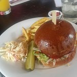 Lunch today. Spicy bea  bugu    Spicy bean burger.