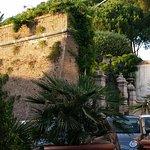 Alte Stadtmauer von Rom (Aussicht vor dem Restaurant)