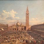 The place has a very large collection of beautiful Venice paintings (San Marcos Piazza).